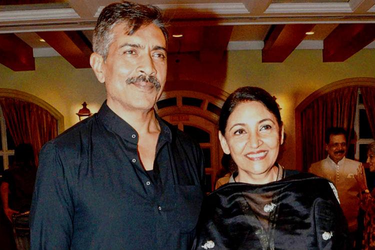 prakesh-jha-with-wife-deepti-naval