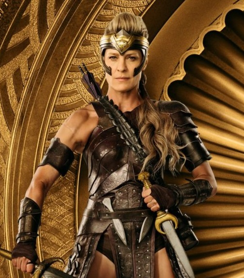 Robin Wright plays General Antiope in Wonder Woman