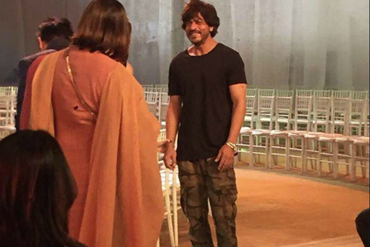Shah Rukh in his favourite military print pants