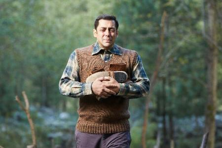Salman Khan in Tubelight, Salman Khan Tubelight, Tinka Tinka song Tubelight
