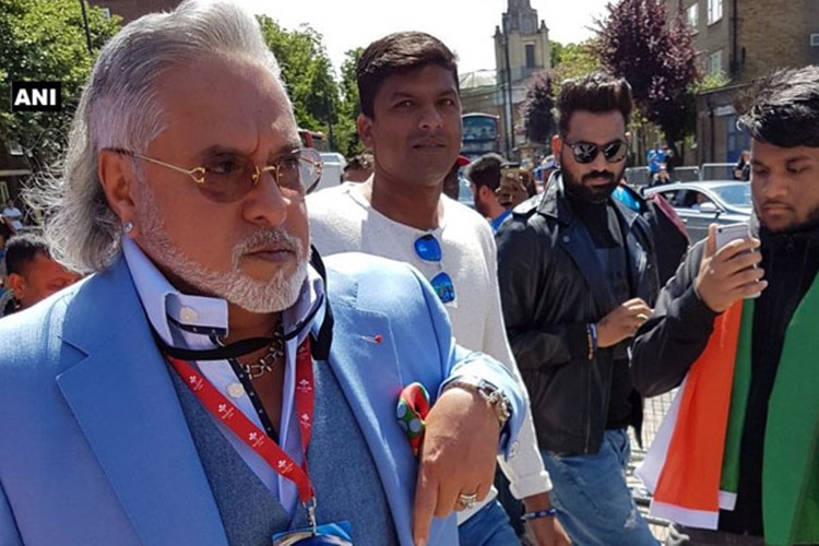India vs South Africa, ICC Champions Trophy 2017: Vijay Mallya welcomed with chants of 'CHOR-CHOR' outside Oval! [Watch Video]