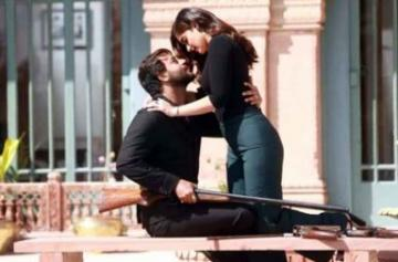 Ajay Devgn and Ileana D'cruz's first look from Baadshaho photo