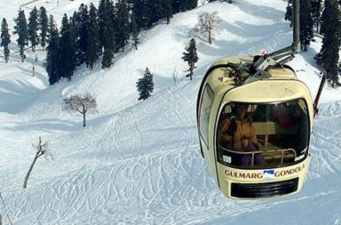 Gandola ride in Gulmarg (Photo: .Facebook/GulmargGondola)
