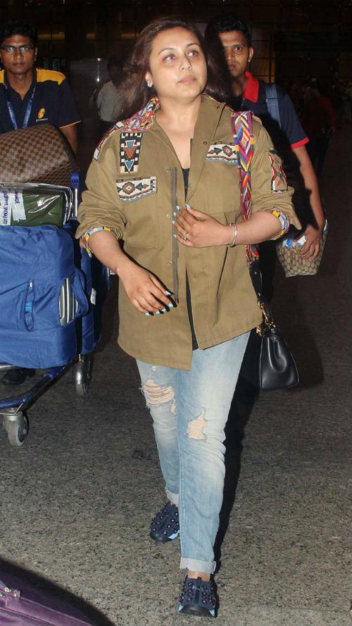 Rani Mukerji at Airport in 2016