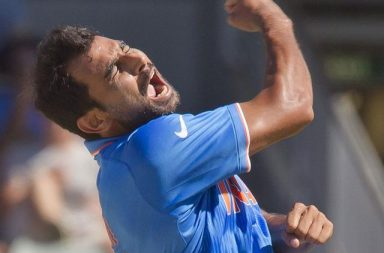 Mohammed Shami loses cool after Pakistani fan abuses Indian players