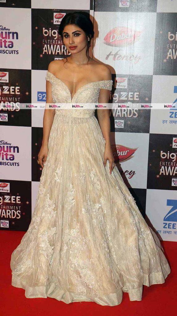 Mouni Roy at Big Zee Entertainment Awards 2017