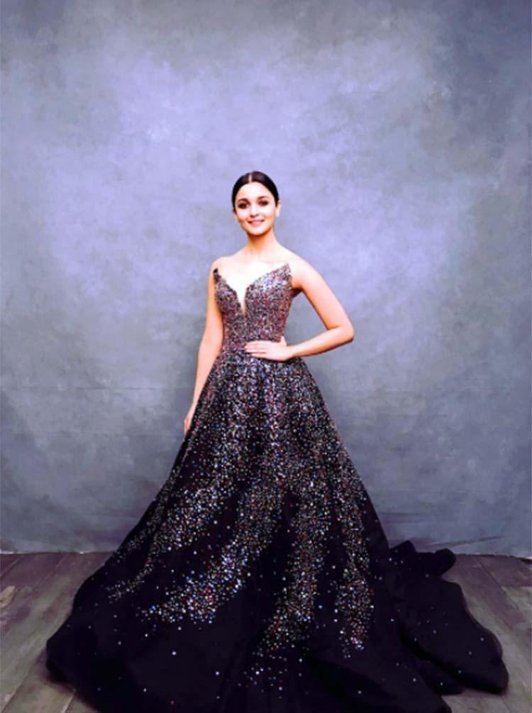 Alia Bhatt in a Zuhair Murad gown at IIFA 2017