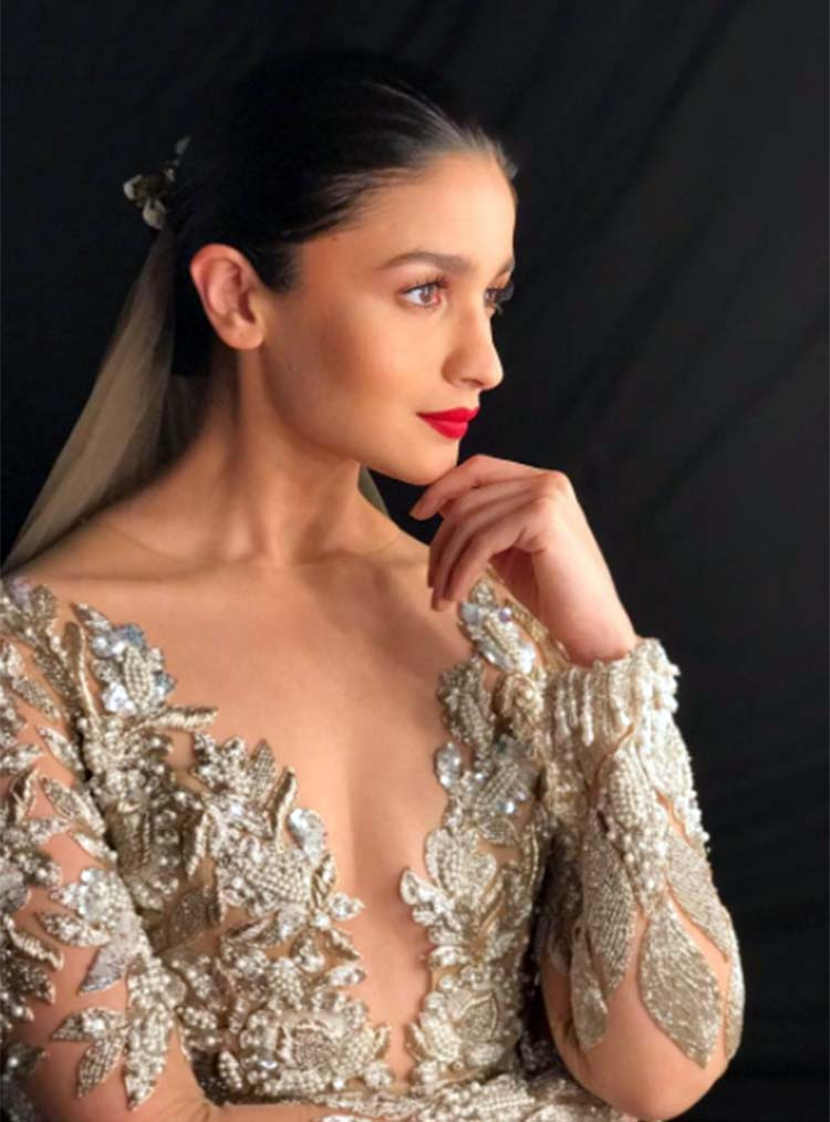 Alia Bhatt playing muse to Manish Malhotra for ICW 2017