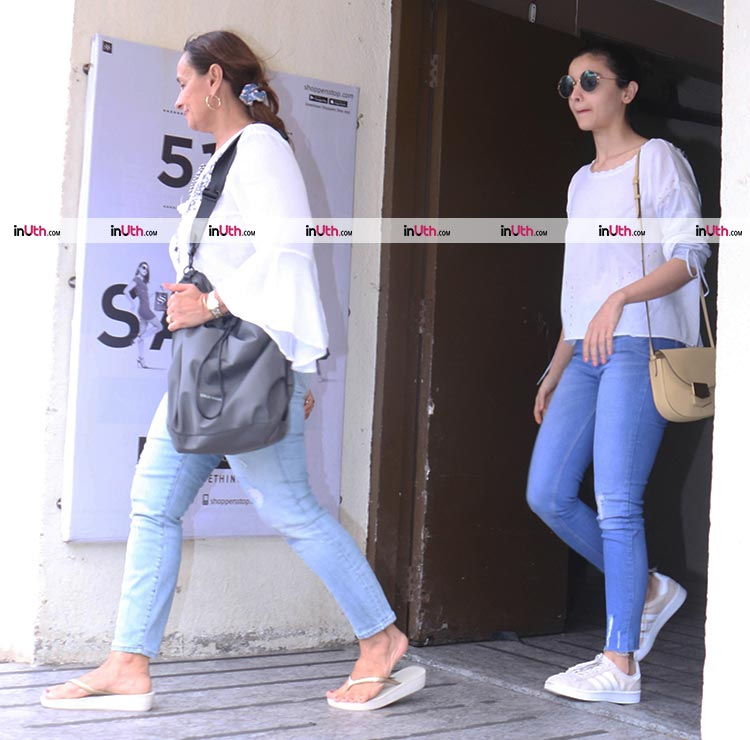 Alia Bhatt spotted twinning with mother Soni Razdan