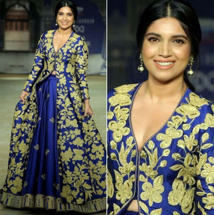 Bhumi Pednekar walking the ramp at Indian Couture Week 2017