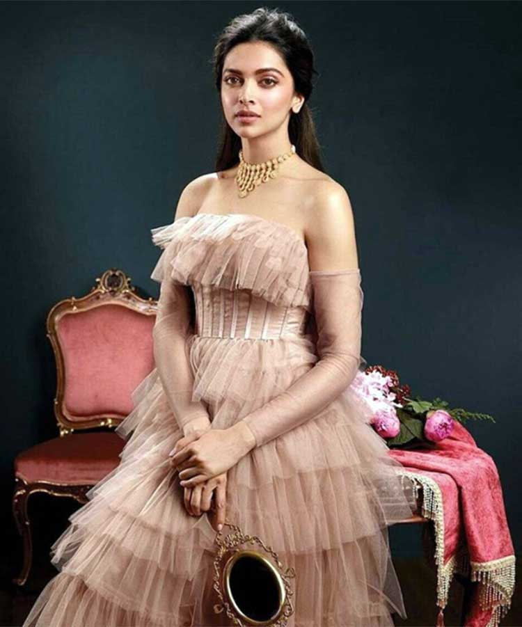 Deepika Padukone looks beautiful beyond words in this photo