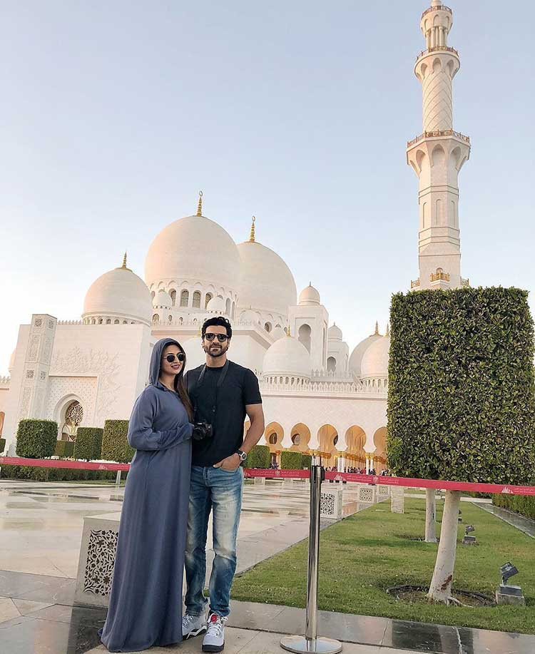 Divyanka Tripathi and Vivek Dahiya start their new year at Sheikh Zayed Mosque