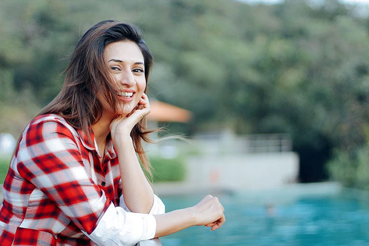 Divyanka Tripathi, Vivek Dahiya holiday pics   Vivek Dahiya goes crazy in  Italy