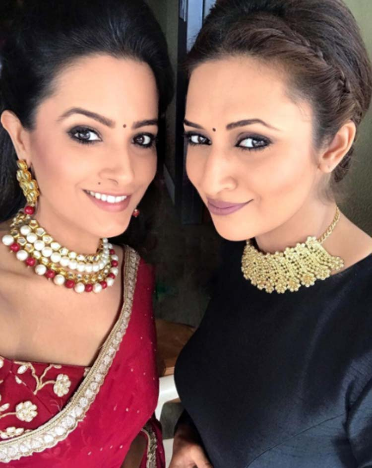Divyanka Tripathi's Instagram post with Anita Hassanandani