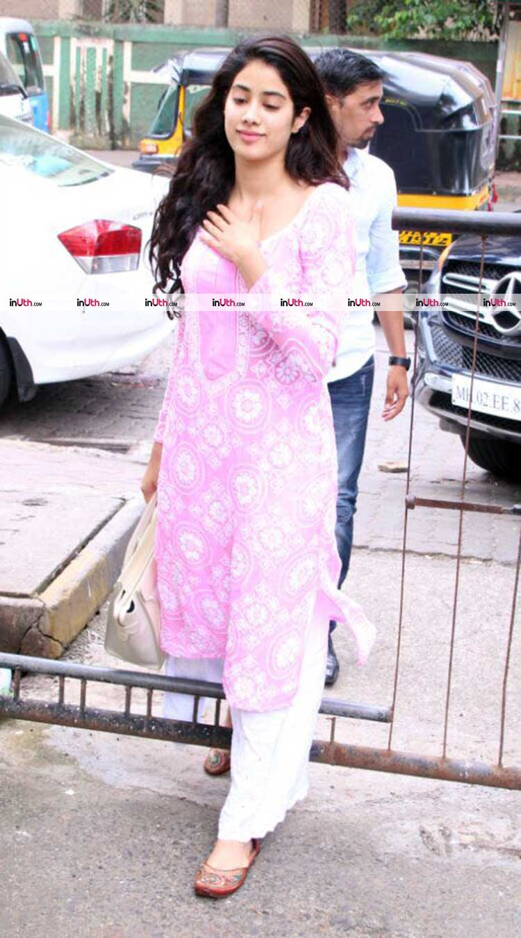 dcdb277a87 Jhanvi Kapoor spotted in Mumbai on Sunday following her dance lessons