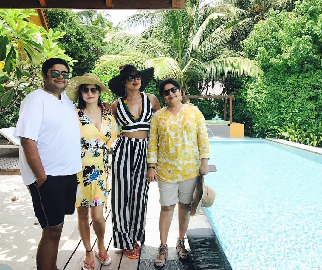 Priyanka Chopra looks fresh as a daisy in her vacation pic