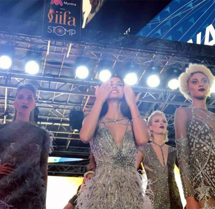 Disha Patani shining at the IIFA 2017 Stomp