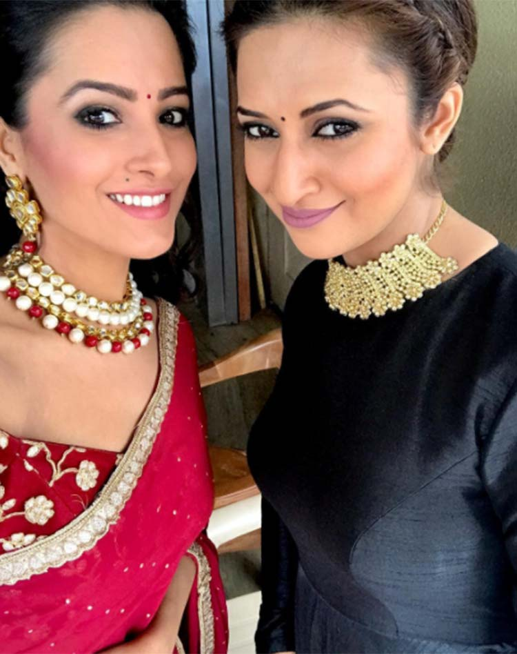 Divyanka Tripathi and Anita Hassanandani pose for an Instagram post