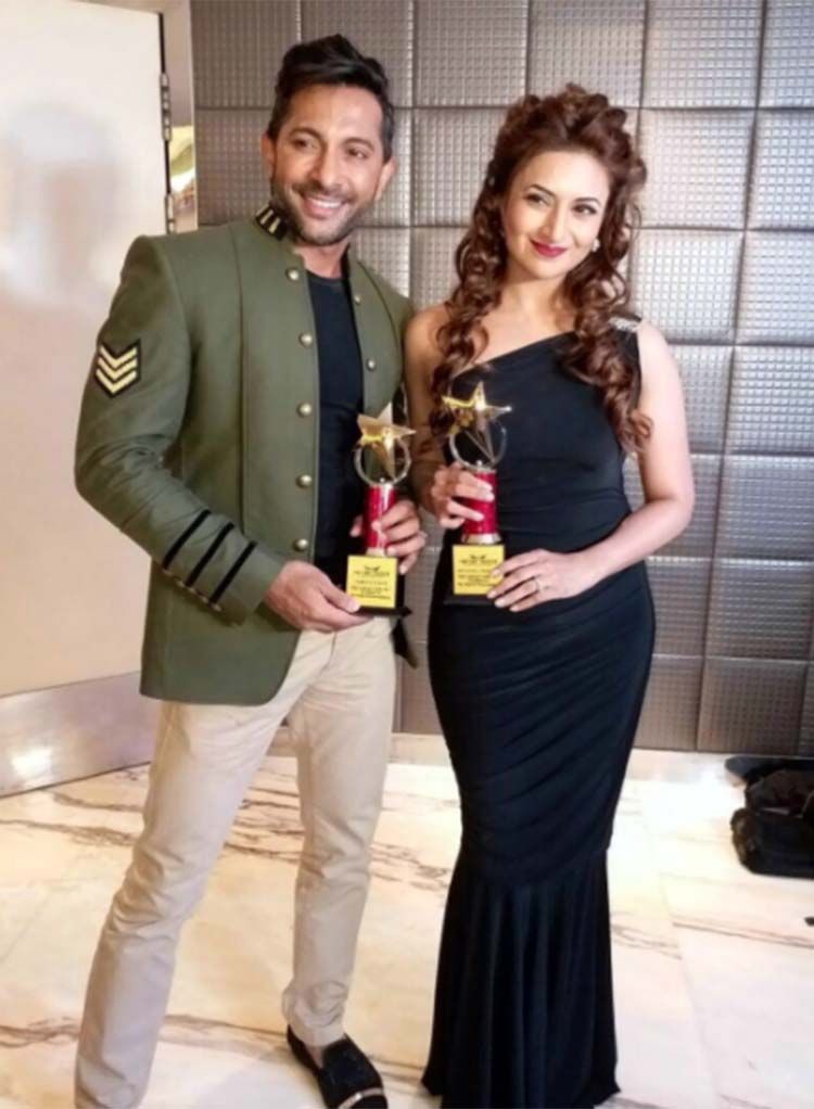 Divyanka Tripathi shares a special moment with Terence Lewis