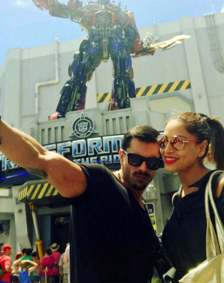 Karan Singh Grover and Bipasha Basu pose with the Transformers at Universal Studio