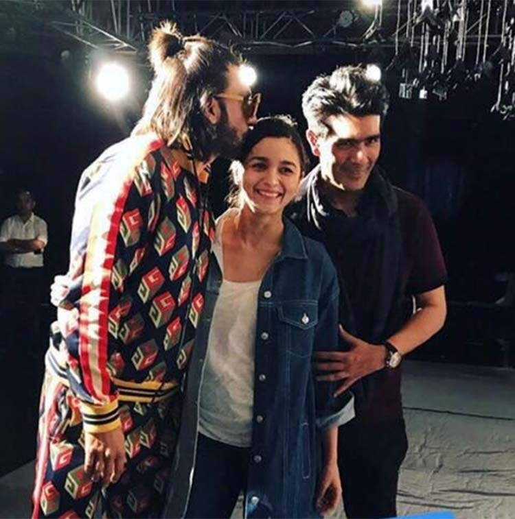 Manish Malhotra with Alia Bhatt and Ranveer Singh behind the stage at ICW 2017