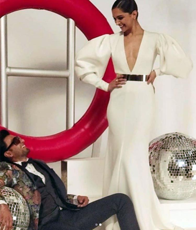 Ranveer Singh and Deepika Padukone look awesome in this candid frame