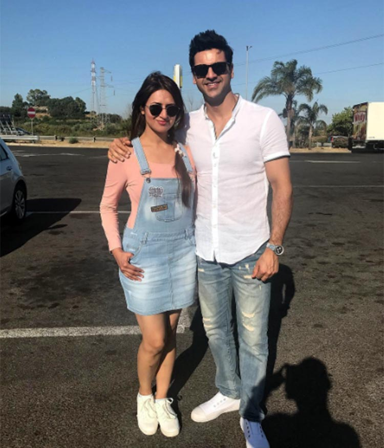 Divyanka Tripathi and Vivek Dahiya in Italy