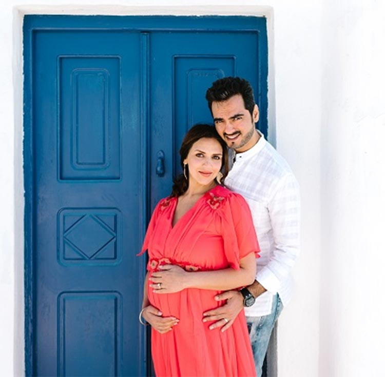 Esha Deol gets her maternity photoshoot done with Bharat Takhtani