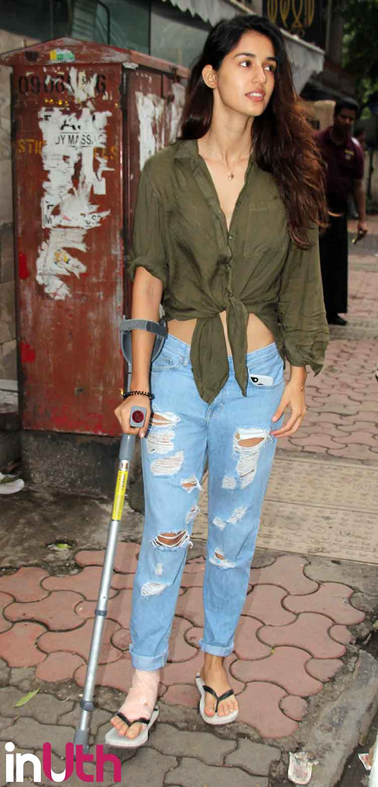 Injured Disha Patani spotted on an outing