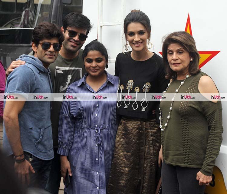 Kriti Sanon with her Bareilly Ki Barfi team