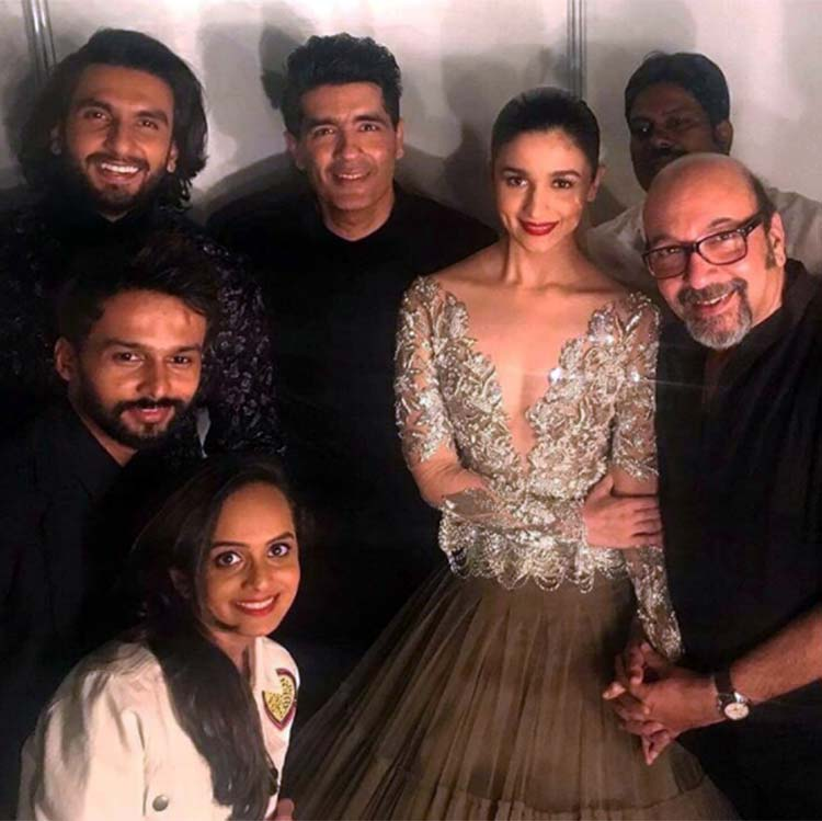 Manish Malhotra, Alia Bhatt, Ranveer Singh with their team at ICW 2017