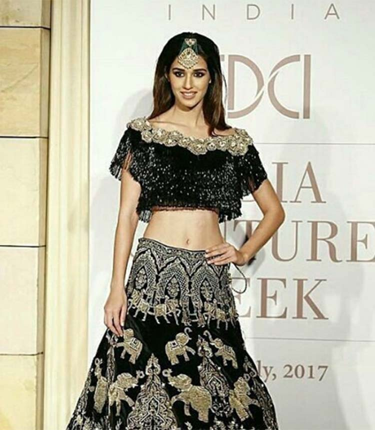 Disha Patani turned showstopper for Manav Gangwani at ICW 2017