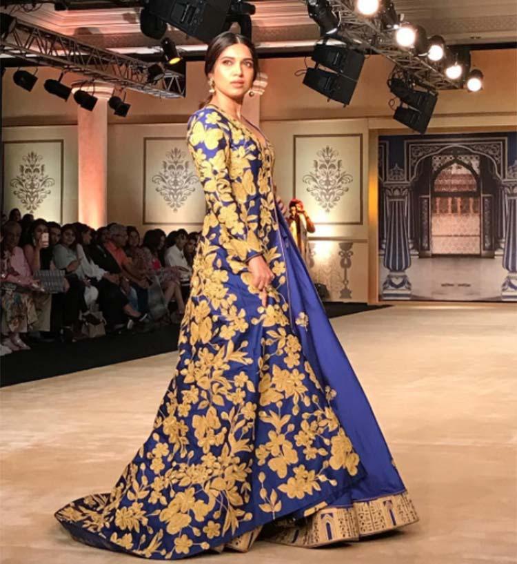 Bhumi Pednekar burning the Indian couture Week 2017 ramp