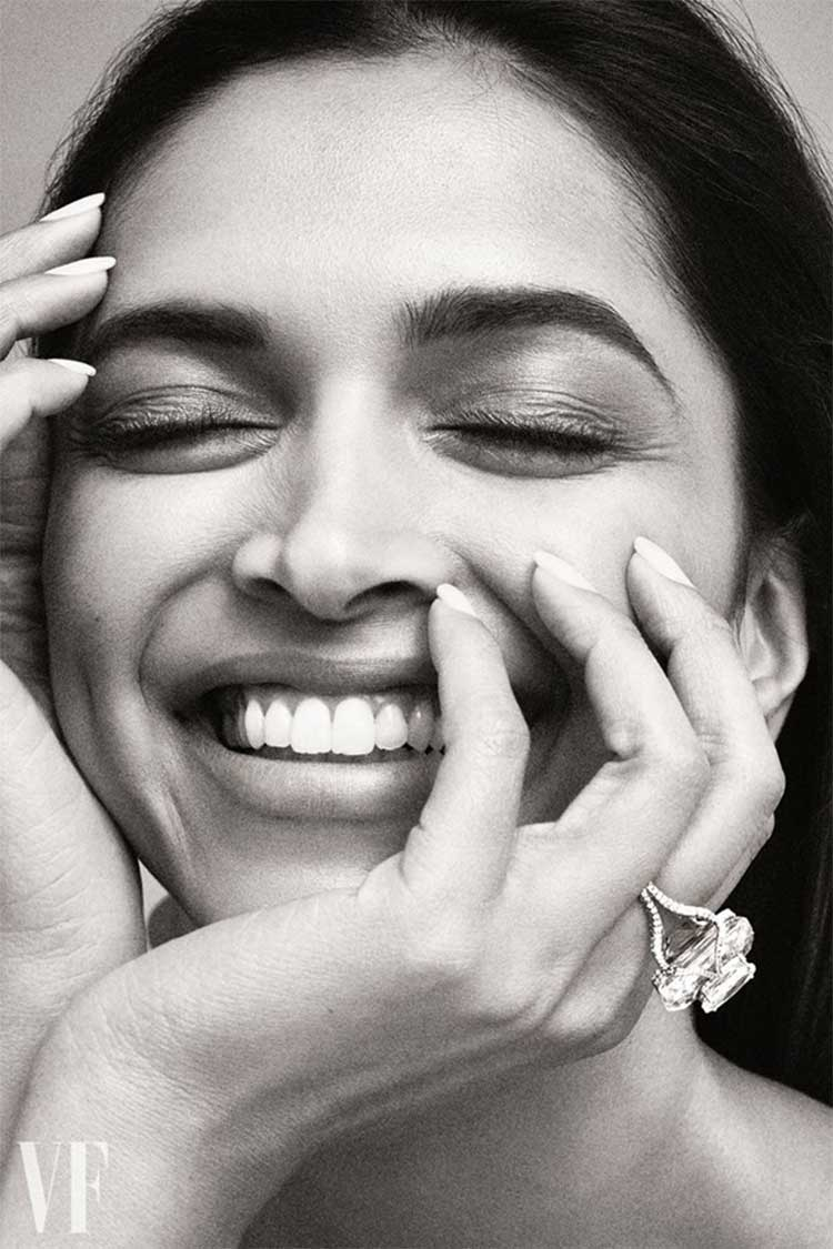 Deepika Padukone's beautiful smile is all you need right now