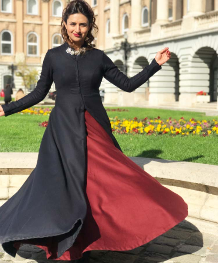 Divyanka Tripathi's twirling pic on Instagram