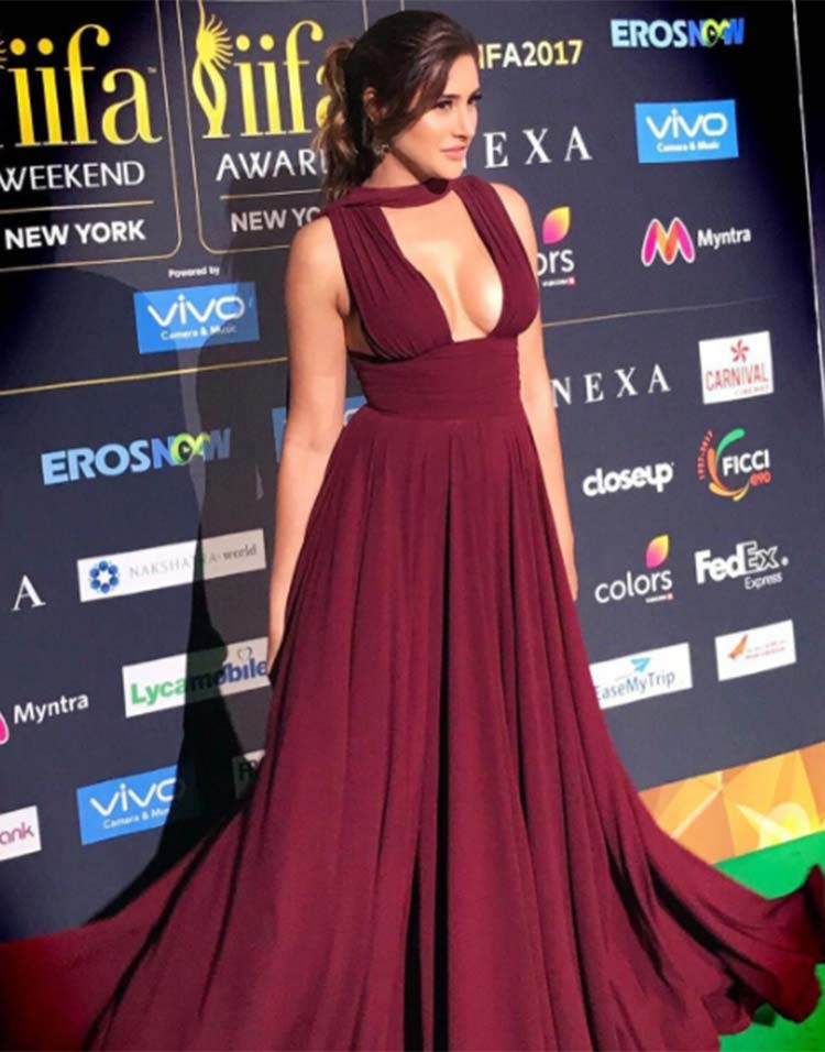 Nargis Fakhri in a Gauri and Nainika gown at IIFA 2017