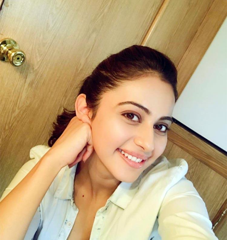 hyderabadi-biryani-actress-rakhul-preet-singh-boll