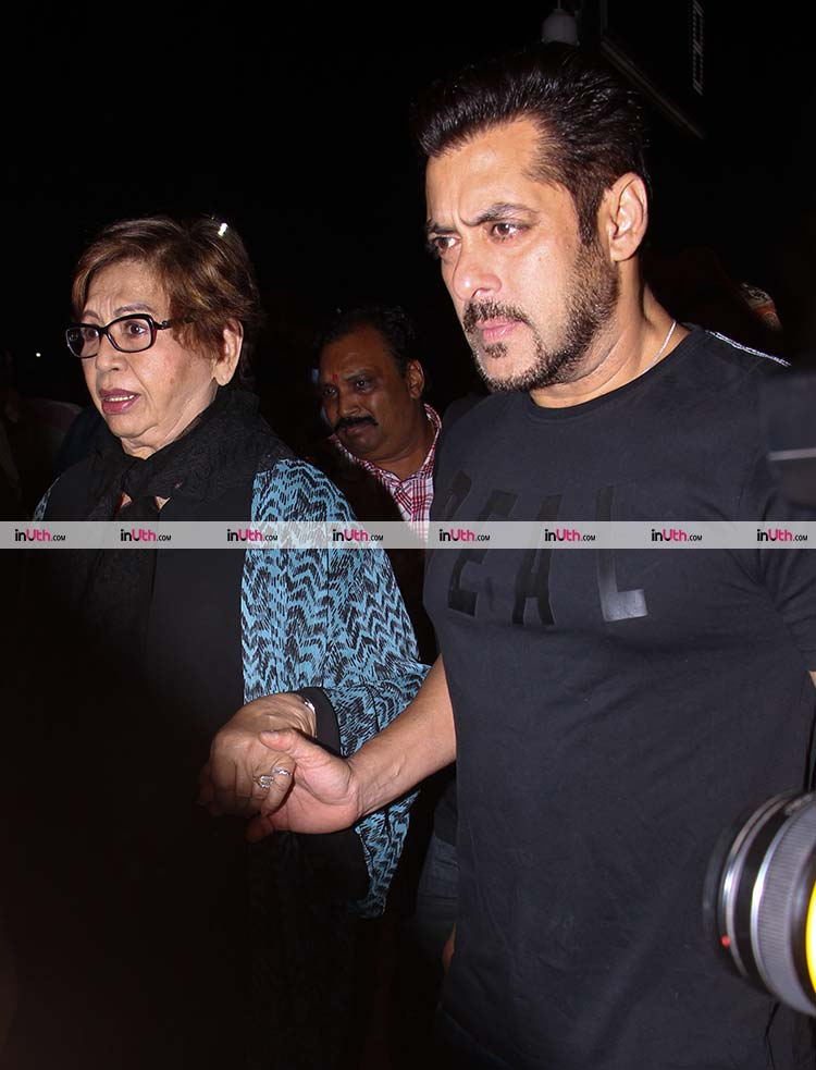 Salman Khan with his mother Helen leaves for IIFA 2017