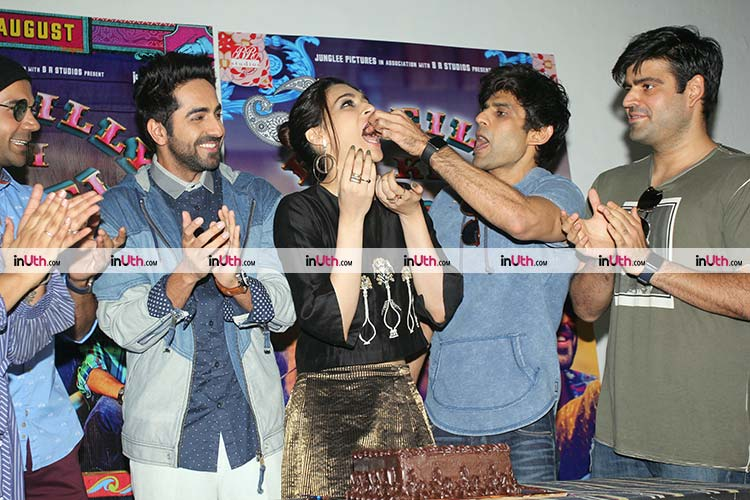 Kriti Sanon having her birthday cake at Bareilly Ki Barfi promotions