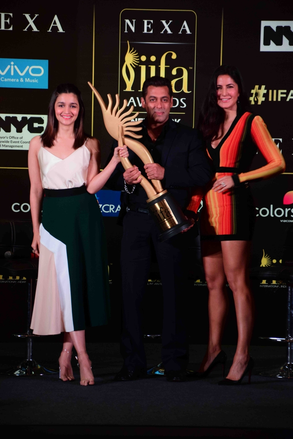 Alia Bhatt, Salman Khan and Katrina Kaif at IIFA Award PC