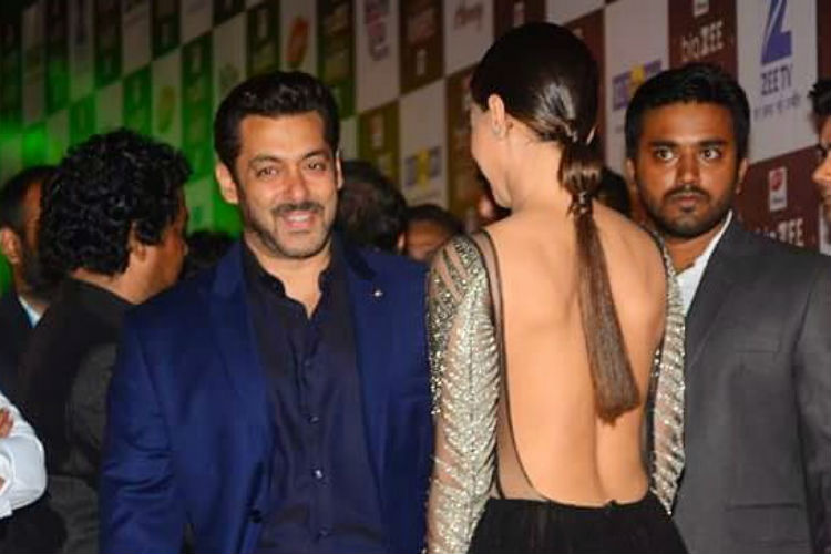 Salman Khan, Sana Khan, The Big Zee Entertainment Awards