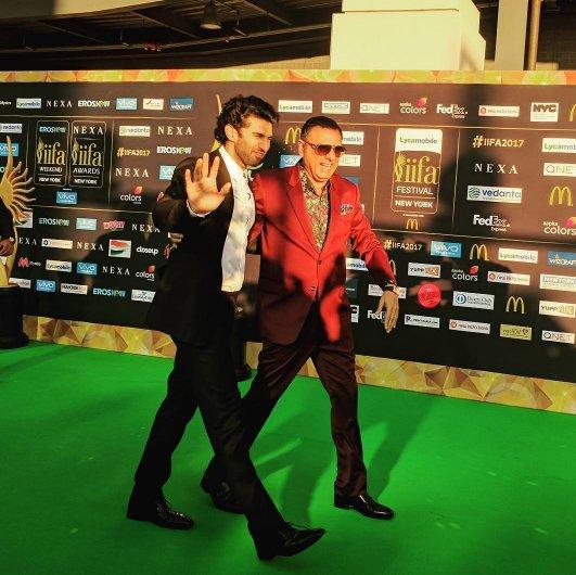 Aditya Roy Kapur and Boman Irani at IIFA 2017 green capet. IST: 5:35 AM, inuth.com