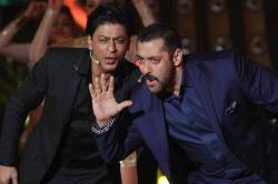 Salim Khan explains why an off-beat film with Shah Rukh Khan, Salman Khan or Ranbir Kapoor won't work