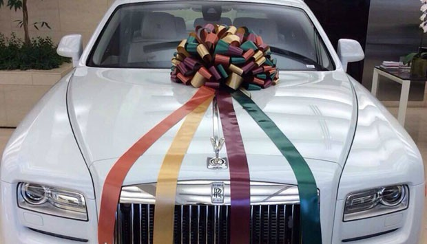 Salman Khan to Arpita Khan: A white Rolls Royce Phantom