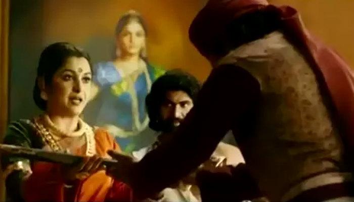 Sivagami scene in Baahubali 2