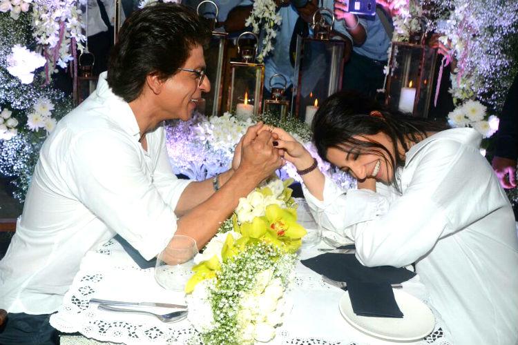 Shah Rukh Khan, Anushka Sharma, Hawayein