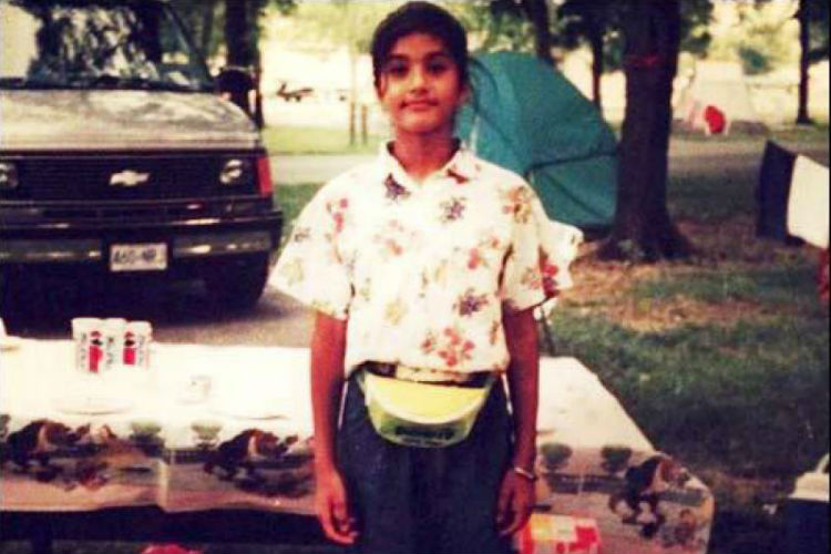 Sunny Leone, Childhood, Mostly Sunny