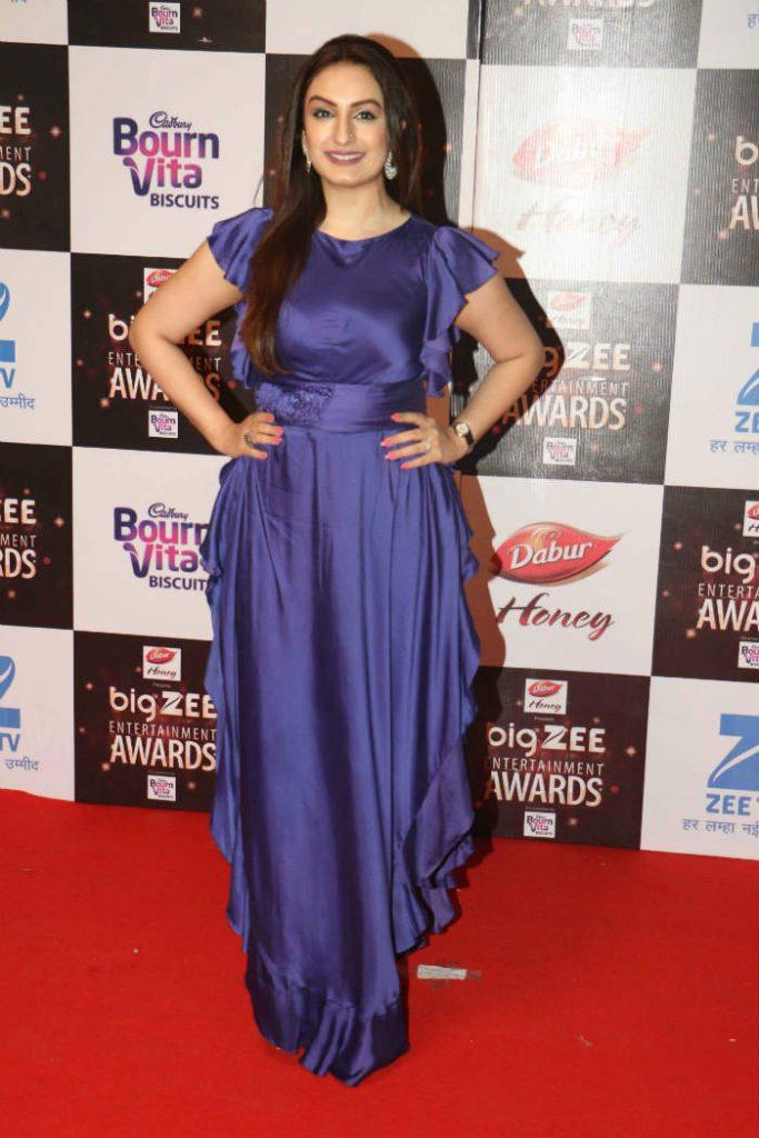 Akriti Kakkar at Big Zee Entertainment Awards