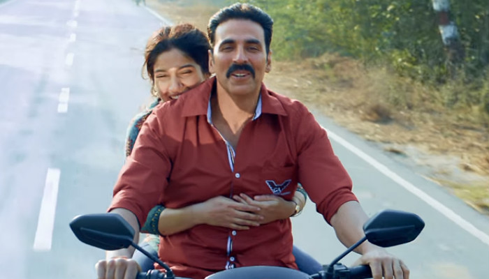 Akshay Kumar and Bhumi Pednekar in Toilet: Ek Prem Katha, inuth.com
