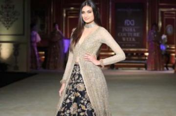 Athiya Shetty walks the ramp at ICW 2017 photo